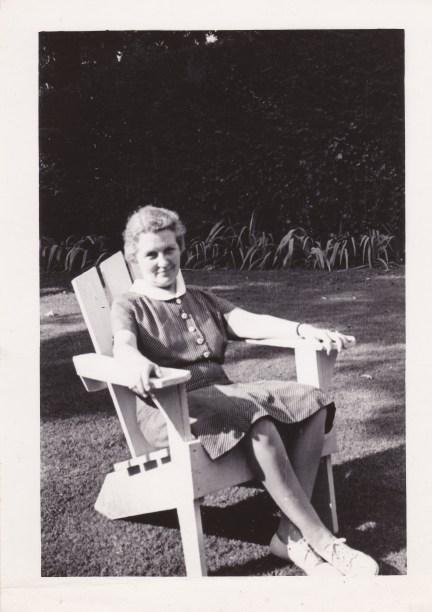 Mama Niazuma Ave. 7-1938